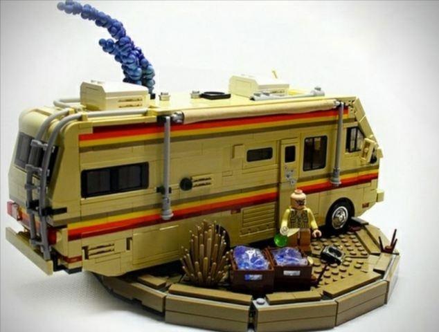 personagens-e-cenarios-da-serie-breaking-bad-ganham-versao-em-lego-1378738394303_634x480.jpg