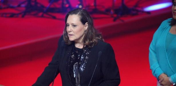 http://imguol.com/c/entretenimento/2013/11/13/12nov2013---elizabeth-savalla-vence-na-categoria-melhor-atriz-coadjuvante-1384315177781_615x300.jpg