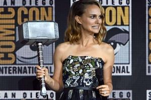 6603324ec Thor: Em 2011, Natalie Portman brigou com a Marvel por demissão de Patty  Jenkins