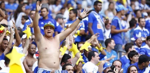 Com festa de torcedores, Cruzeiro superou o Grêmio no Mineirão e conquistou o título brasileiro