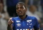 Vitória acerta com volante do Cruzeiro e revela busca por santista e mais 2