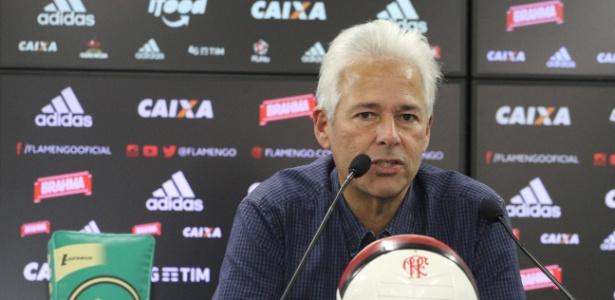 Flamengo minimiza ida de Marinho para China e já busca outros nomes