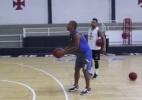 Rodrigo ganha aula de time de basquete do Vasco e encara disputa na NBA