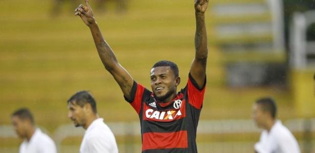 Inter faz consulta ao Flamengo e estuda oferta por Marcelo Cirino