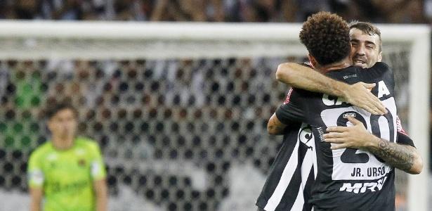 Jogadores do Atlético-MG comemoram gol em goleada sobre o Melgar, na Libertadores