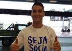 Torcida do Cruzeiro vai ao aeroporto e faz festa para receber Thiago Neves