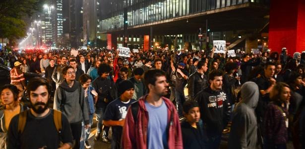 Estudantes fazem ato na avenida Paulista, em São Paulo, contra a reforma do ensino